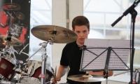 Benjamin à la batterie